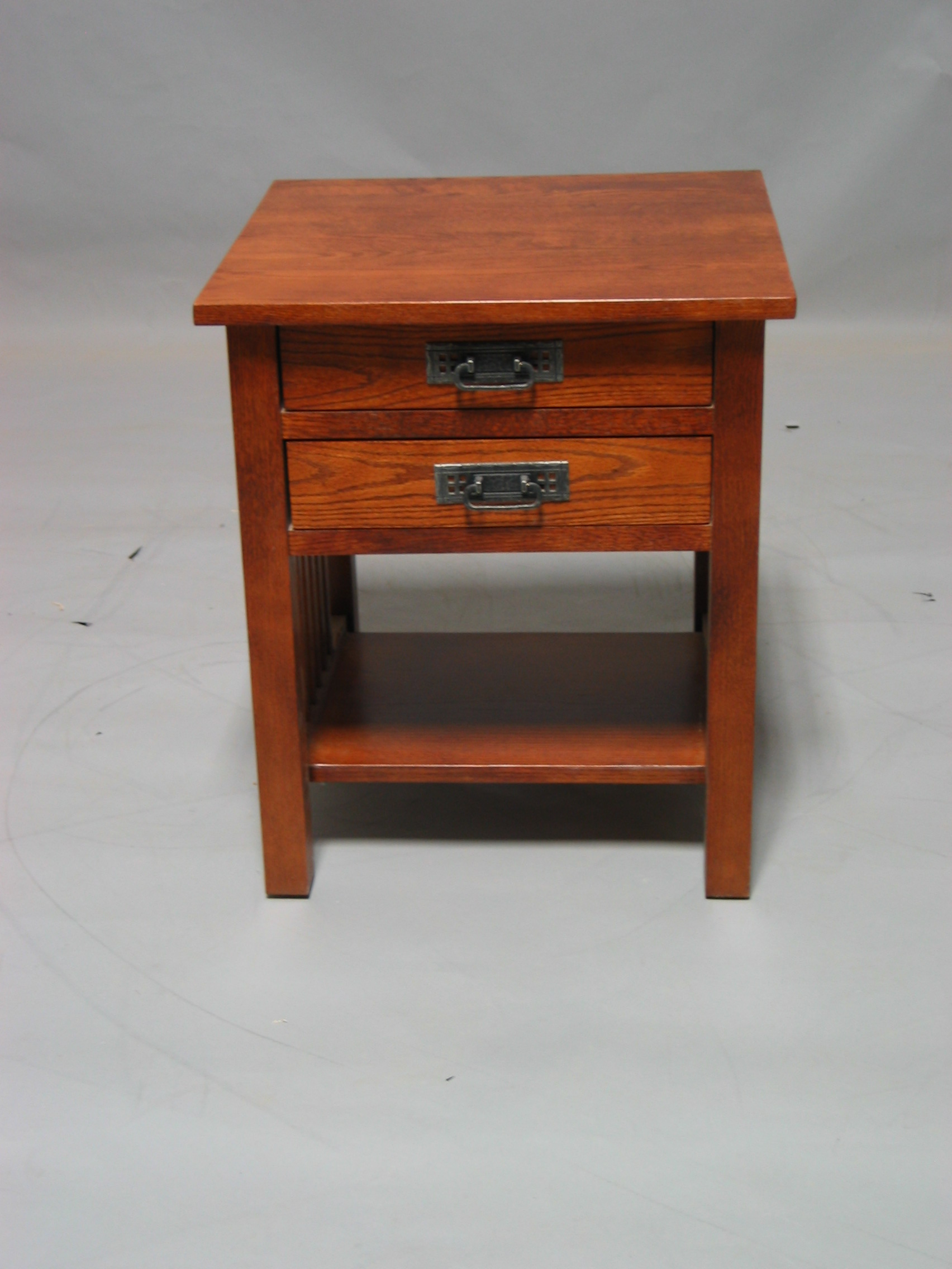 Early American Bedroom Furniture End Table W 2 Drawers
